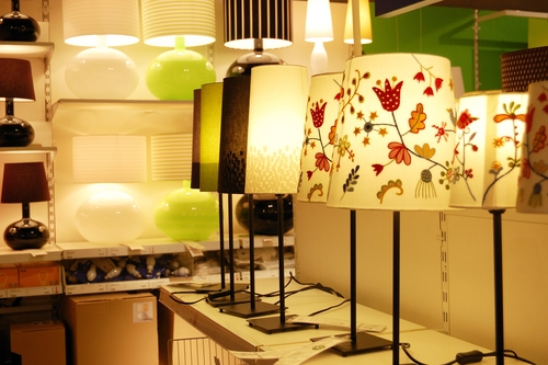 How to Start a Lamp Repair Business