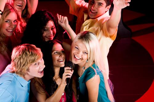 How to Start a Karaoke Business